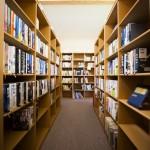 【PTAのつて】学校の図書館(本棚)の掃除をするアルバイト【体験者は高校生】