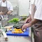 【自立したくて高校中退】チャレンジャーの厨房パートは仕事量が多すぎる?【口コミ・評判・経験】